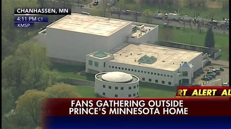 news alert fans gathering outside prince s minnesota