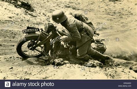 2 Weltkrieg Motorrad Kaufen by 2 Weltkrieg Deutsche Versand Fahrer In Schwierigem