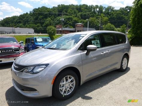 chrysler pacifica colors 2017 chrysler pacifica paint colors pictures to pin on