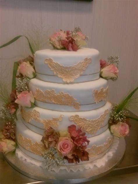 Hochzeitstorte Goldene Hochzeit by Die Besten 25 Torte Zur Goldenen Hochzeit Ideen Auf