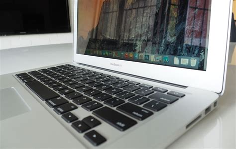 Macbook Air Di Australia apple macbook air 2015 broadwell review 14 gadget
