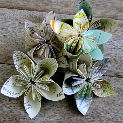 Paper Flower Folding - papervine map folded flowers plus tutorial