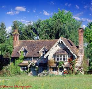pretty house in ockley photo wp17107