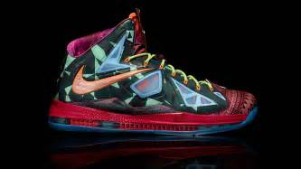 new lebron shoes did lebron s new shoes mess up his sportsnation espn