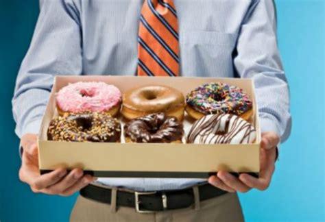 how to avoid office treats skinny fitalicious