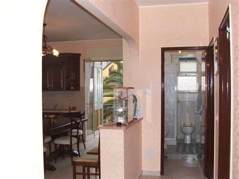 casa e cucina agenzia immobiliare di vendita terreni negozi in
