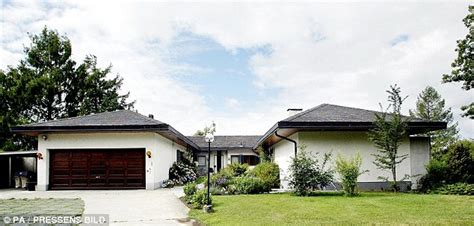 2 Bedroom Home Plans by Ikea Magnate Ingvar Kamprad Lives In Modest House Eats At