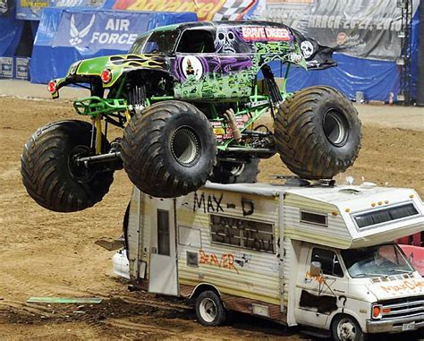 grave digger truck song jam on trucks monsters and autos