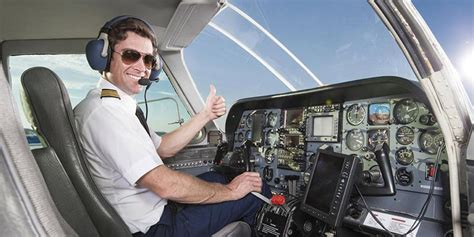 do i need a captain s license for my boat do you need 20 vision to be a commercial pilot howsto co