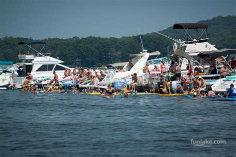 lake of the ozarks boat party lake of the ozarks