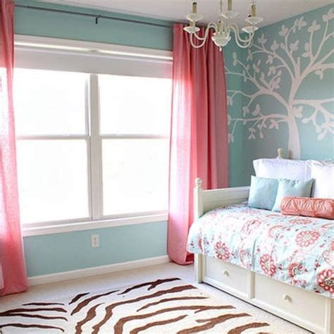chambre bebe bleu stunning chambre enfant mur bleu gris contemporary