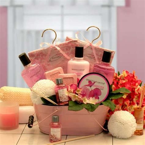 pretty gifts pretty in pink aromatherapy gift basket aromatherapy