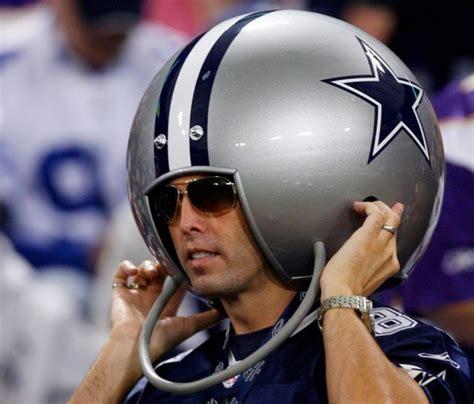 dallas cowboys fan 15 signs that you re a cowboys fanatic rentcafe rental
