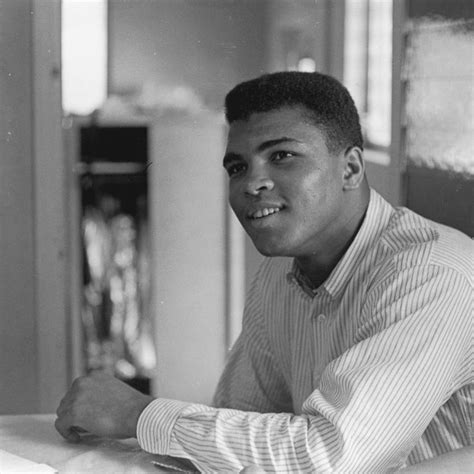 biography of mohammed ali clay 1311 best man of dignity muhammad ali images on pinterest