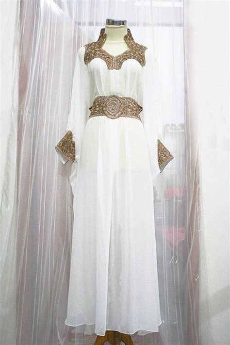 Ikn Dress Muslim Fathiya moroccan white kaftan dress gold embroidery dubai abaya
