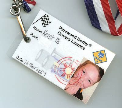 pinewood derby drivers license template meibimusings kerst s pinewood derby