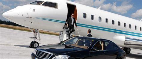 Toronto executive limo airport wedding prom limousine