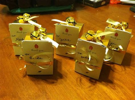Lindt Gift Card - diy gift card holders made out of flat thank you cards attached to lindt chocolate