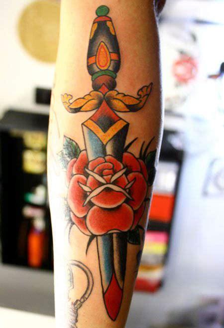 tattoo old school pugnale tatuaggi old school le foto dei pi 249 belli