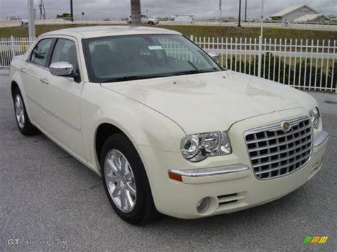 Chrysler White by 2009 Cool Vanilla White Chrysler 300 Limited 1091874