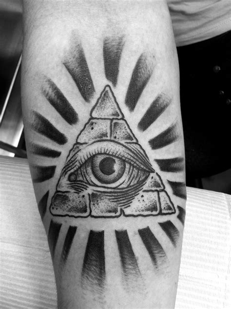 all seeing eye wrist tattoo all seeing eye on back neck photo 2 tattoos