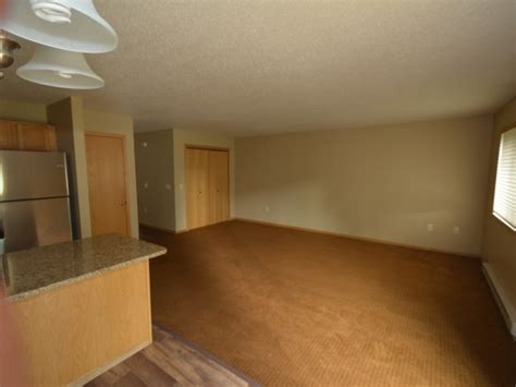 3 bedroom apartments wi apartment for rent in menomonie wi student rental uw stout townhomes near cus utilties included