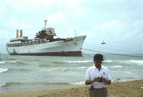 titanic boat hindi rms canberra being scrapped in india ships and a few