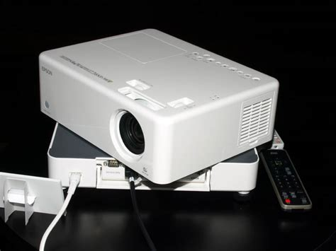 Proyektor Epson S5 epson s new moviemate projectors feature built in dvd playback ipod compatibility