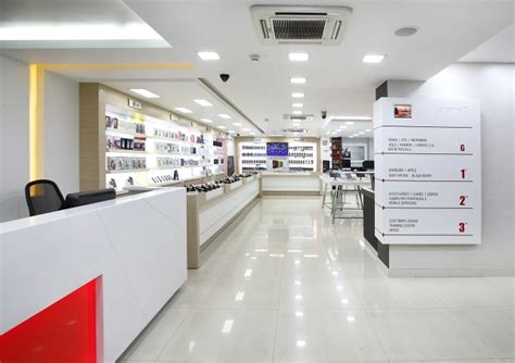 mobile shop india 187 channel 9 by four dimensions retail design bangalore
