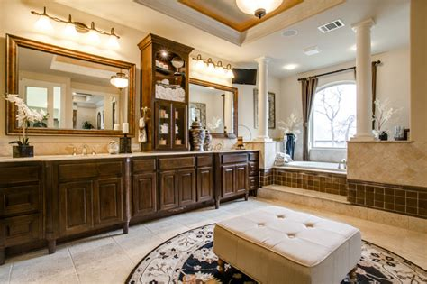 Toll Brothers Traditional Bathroom Dallas By Je Toll Brothers Bathrooms