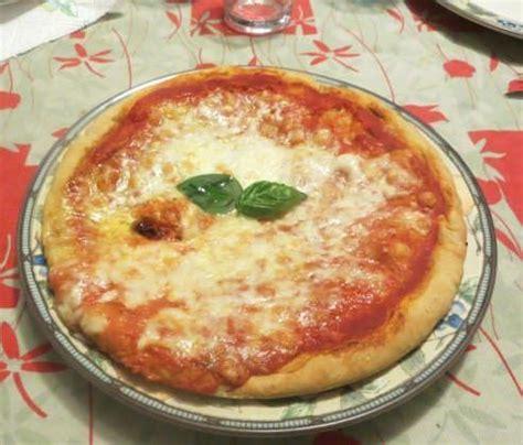 dosi per pizza fatta in casa pizza margherita fatta in casa ricette della nonna