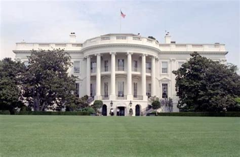 white house schedule intruder man arrested near white house south portico with backpack conservative