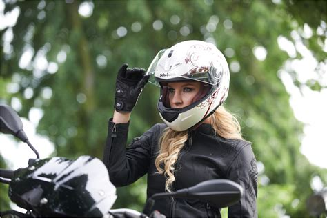 schuberth womens helmets explained autoevolution