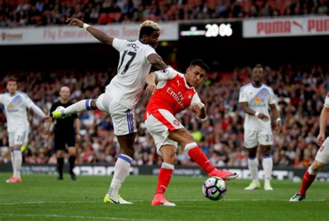 epl qualification arsenal keeps chions league qualification hopes alive