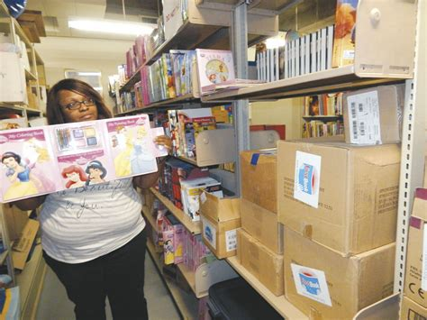 Muskogee Giveaway - library giving out new books local news muskogeephoenix com