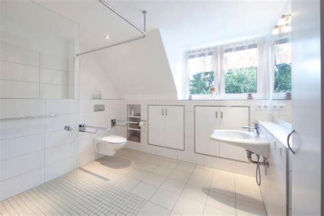 behindertengerechte badezimmer designs behindertengerechtes badezimmer