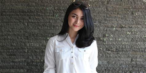 citra kirana kenalkan pacar baru kepada fans via periscope kapanlagi com
