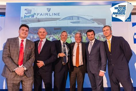 motorboat of the year 2018 fairline yachts wint bij de motor boat yachting awards
