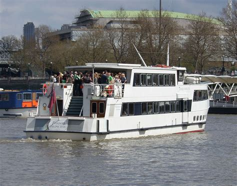 river thames boat services london thames river boat party thames river cruises london