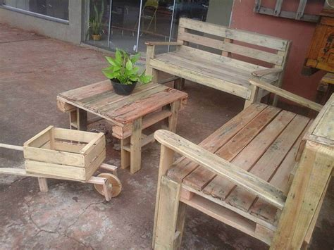 Diy Pallet Outdoor Furniture by Upcycled Pallet Outdoor Furniture Set Pallet Furniture Diy