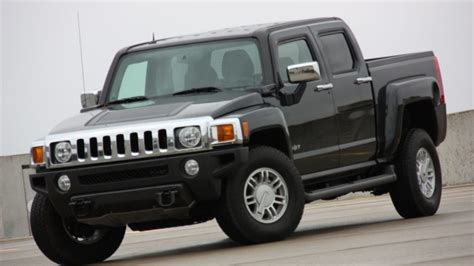 hummer h3t declared truck of the year by four wheeler