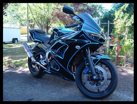 "Custom Yamaha R6 2003 ""Program"" Tron Themed Bike by Chris"