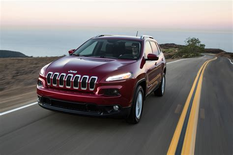 2017 jeep grand latitude 2017 jeep reviews and rating motor trend