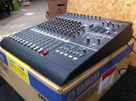 Mixer Yamaha N12 yamaha n12 image 374574 audiofanzine