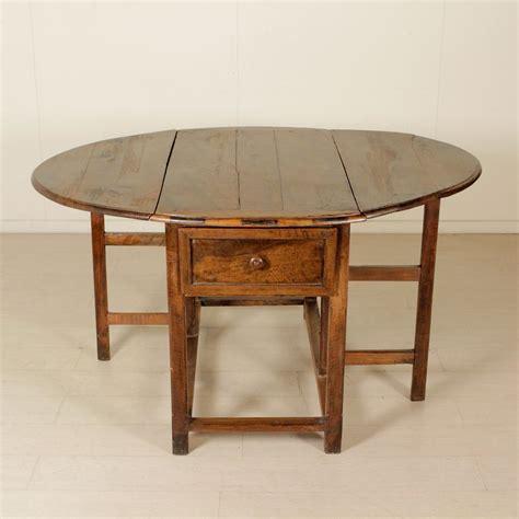 tavoli antiquariato tavolo a bandelle tavoli antiquariato dimanoinmano it