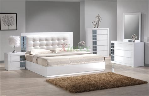 platform bedroom furniture set w upholstered headboard