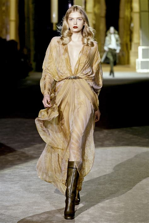 Fashion Week Fall 2007 Ivilliages Fashion Week In Second by Roberto Cavalli At Milan Fashion Week Fall 2007 Livingly