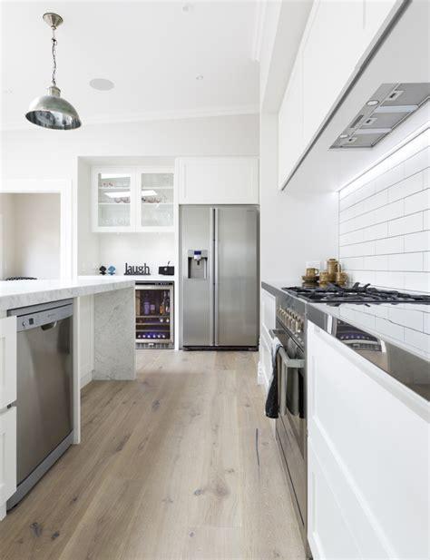 Quaker Style Cabinetry Stars In This New Kitchen Design Quaker Kitchen Design