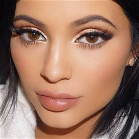 kylie jenner wearing color contact lenses | the naked