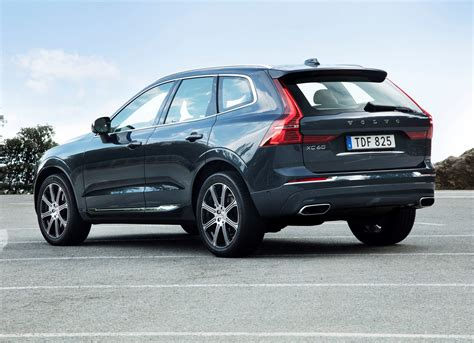 volvo suv volvo xc60 suv features parkers